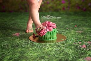 4. Best way to eat cake is with your feet.