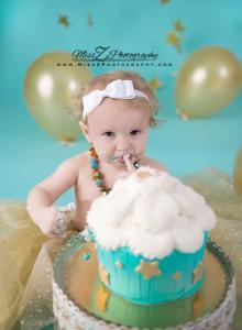 First birthday cake smash with handmade tutu